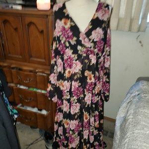 NWT - Torrid floral cold shoulder maxi dress sz 1
